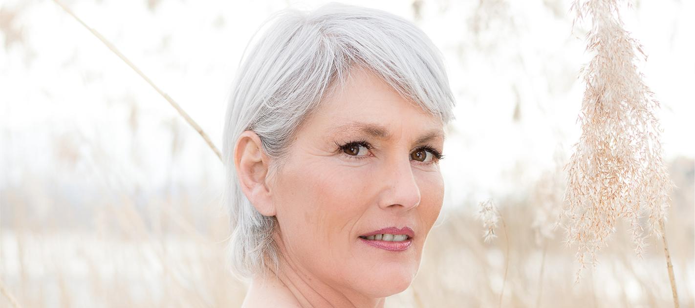 医療脱毛で白髪の脱毛はできるの?白髪になったムダ毛の最適な対処法のアイキャッチ画像